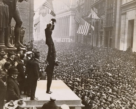 From the Archives: Charlie Chaplin selling Bonds, 1918 – Contact Editions | Academic Topic | Scoop.it