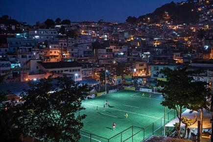 Le premier terrain de foot au monde illuminé par les joueurs - Magazine GoodPlanet Info | The Future of Sustainability | Scoop.it