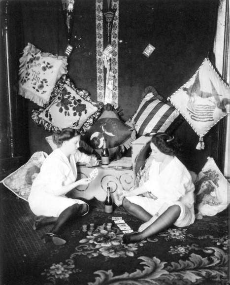 LOOK: 'Ladies Of The Night' In 1912   Xposed   Scoop.it