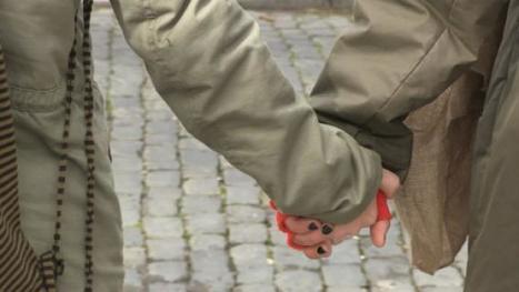 Duas dezenas contestam violência sobre as mulheres | Açores | Scoop.it