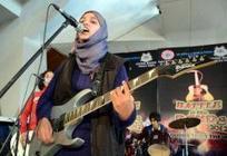 CACHEMIRE • Le premier groupe de rock féminin contraint d'abandonner sous les menaces | News musique | Scoop.it