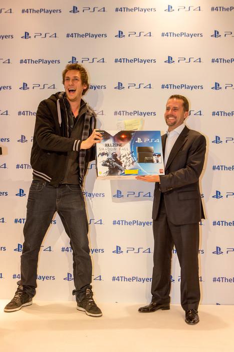 PS4 : la journée du lancement - inBubble | inBubble - nos articles | Scoop.it