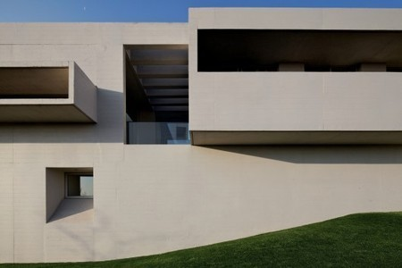 Marcelo Rios's disdain for grass evident in House RP | Urbanism 3.0 | Scoop.it