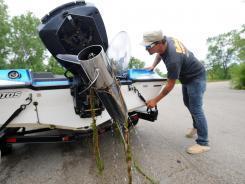 Invasive plants, fish threaten Great Lakes region   ScubaObsessed   Scoop.it