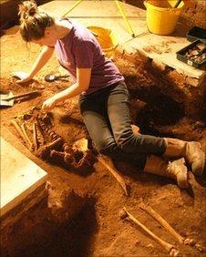 BBC - Ancient burials found under Lichfield Cathedral | History | Scoop.it