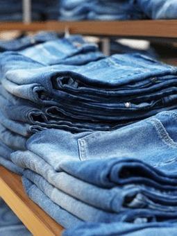 H&M recycle nos vêtements et crée une collection denim - Grazia   gestion   Scoop.it