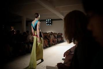 From catwalk to clicks: how brands are looking to bring London Fashion Week to life | Social Media Journal | Scoop.it