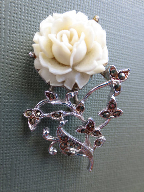 Vintage white celluloid rose and rhinestone brooch. 1950s. Retro. | vintage jewelry | Scoop.it