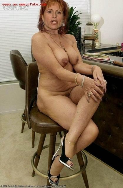 Lilli Gruber in forma smagliante è la regina della redazione   Fotomontaggi Porno   Scoop.it