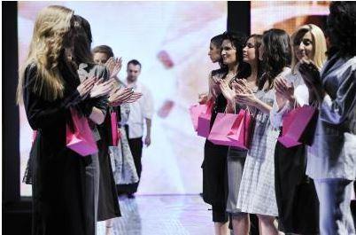 Chez Chanel, Louis Vuitton ou Dior, le community management reste un luxe | Lygier | Scoop.it