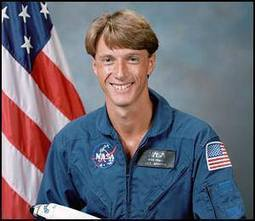 British-born astronaut leaves NASA after 26-year career | Southgate Amateur Radio News | Amateur Radio News Reviews and Events | Scoop.it