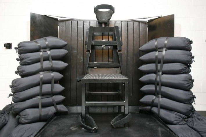 With lethal drugs in short supply, Wyoming considering firing squads | Crimes Against Humanity | Scoop.it