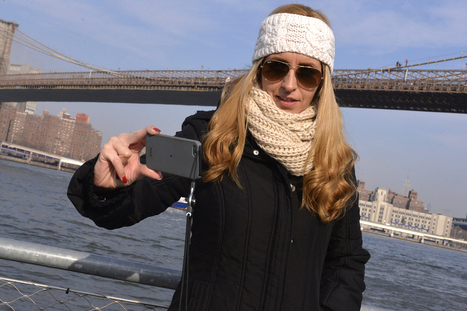 My selfie with Brooklyn Bridge suicide dude | SocialMediaTwitter | Scoop.it