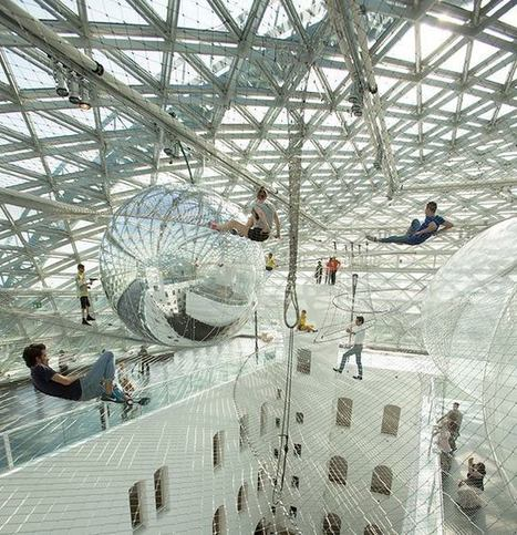 "Tomás Saraceno: ""In orbit"" 