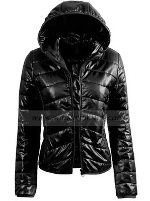 Womens Black Puffer Jacket | Fitted Down Jacket With Hood | Women's Jackets | Scoop.it