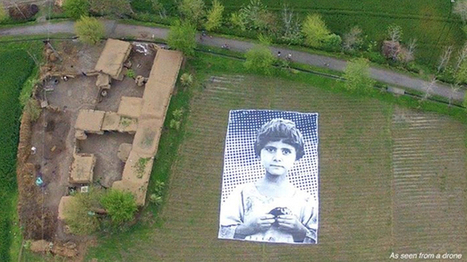 Artists install massive poster of child's face in Pakistan field to shame drone operators | Archivance - Miscellanées | Scoop.it