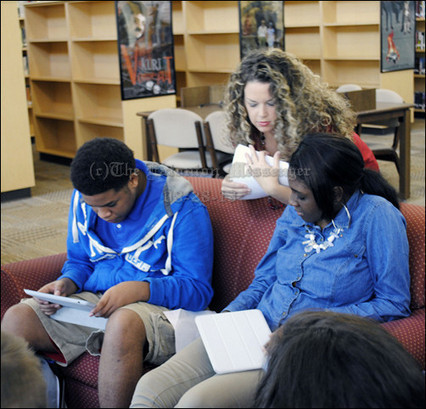 PCHS students 'engaged' with iPads | Education | Scoop.it