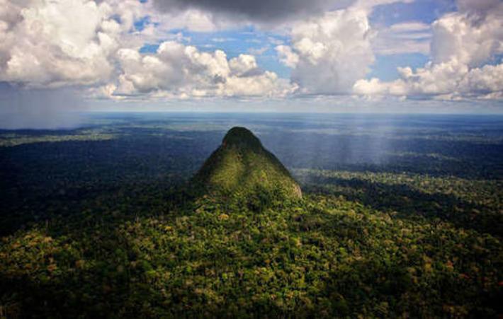 Révélation d'un «masterplan» ouvrant un parc national abritant des tribus isolées à l'exploration pétrolière | Survival | Kiosque du monde : Amériques | Scoop.it