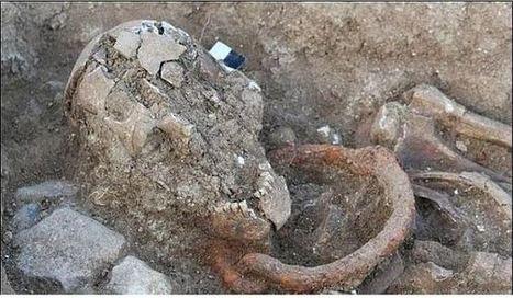 Desentierran los esqueletos de cinco esclavos y gladiadores romanos aún con los grilletes puestos   Ciencies Socials i Educacio   Scoop.it