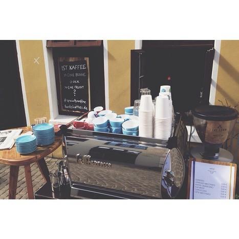 Ist Kaffee eine Bohne oder eine Frucht Heute im Ausschank: THE BARN Coffee Roasters, Aromas Del Sur, Huila, Kolumbien. Mandel. Mango. Geschmeidig Beim Ulenspegel 10-18 Uhr | @CarlosRamiroCH | Scoop.it