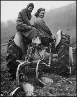 Women's Land Army | 1940 Various Things... | Scoop.it