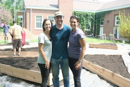 14 Edible Gardens Growing Throughout Evanston/Skokie District 65 | edible landscaping | Scoop.it