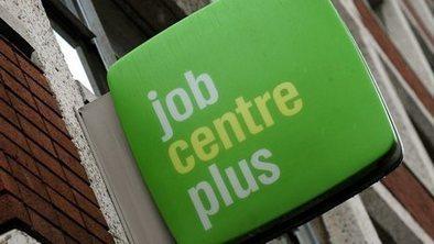 UK unemployment rate falls to 6.9%   Statistics   Scoop.it