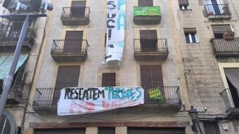 Post-boom Barcelona squatters occupy vanguard of Spain's resistance to banks - Irish Times | real utopias | Scoop.it