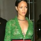 Photos : Rihanna seins nus sous sa robe transparente à New-York | Radio Planète-Eléa | Scoop.it