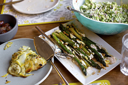 asparagus with almonds and yogurt dressing | smitten kitchen | À Catanada na Cozinha Magazine | Scoop.it
