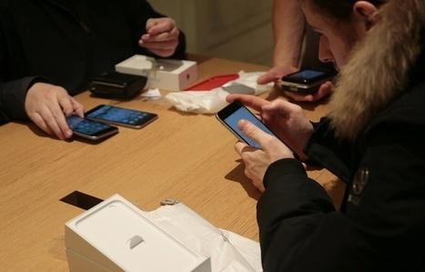 Les Français consultent leur mobile plus de 900 millions de fois par jour   un autre regard sur l'actu   Scoop.it