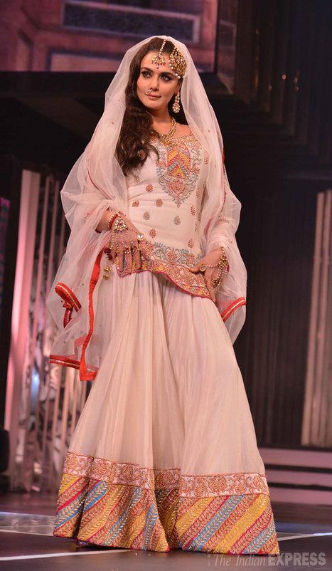 Katrina, Rani, Sridevi, Madhuri and SRK's dazzling tribute to Yash Chopra - Indian Express | Welcome to Panache India | Scoop.it