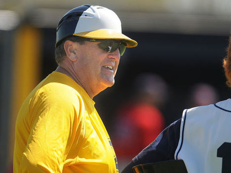 Award caps Hawk's coaching career - Albany Democrat Herald (blog) | Sports Ethics: Galvan, A | Scoop.it
