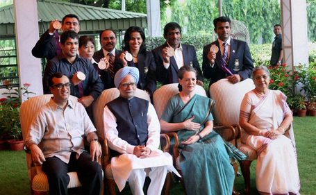 Images: India's Olympics medalists meet PM, Sonia, Advani | Firstpost | Sports Photography | Scoop.it
