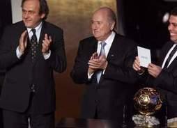 Ballon d'Or : à quoi joue la FIFA ? - International - SO FOOT.com   Cristiano Ronaldo Ballon d'Or   Scoop.it