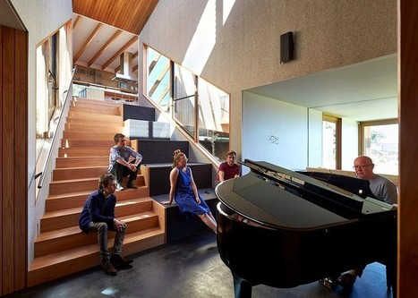 Split House - Two Volumes Linked by a Splayed Stair | Architecture and Interior Design | Scoop.it