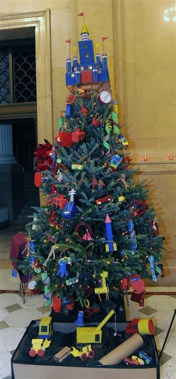 Unveiling of the trees at Carnegie Museum - Pittsburgh Post Gazette | Traveler's Root | Scoop.it