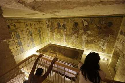 Egypt says 90 percent chance of hidden rooms in Tut tomb | Aux origines | Scoop.it