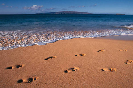 Footprints in the Sand (or Footprints): The Poem | 2 Live with Joy | Inspiration for Christian Women | Scoop.it