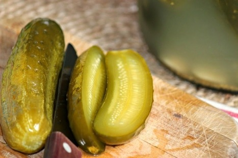 """Comfy Cuisine: Naturally Fermented """"Crock"""" Garlic Dill Pickles 