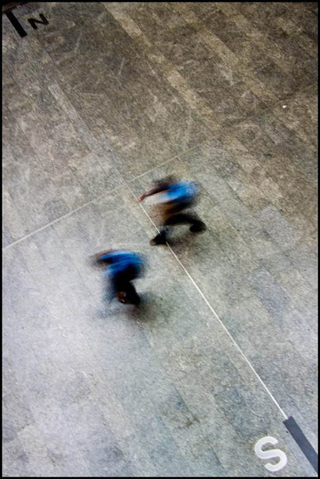 Minimalism and Geometry: Street Photography by Thomy Keat | Small Camera Big Picture | Scoop.it