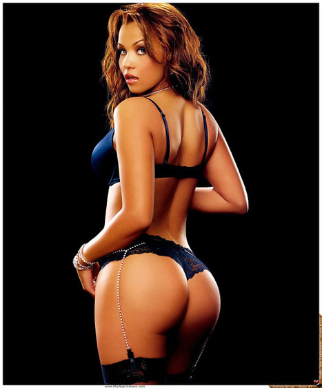 """GetAtMe: FriendsWithBenefits-DOLLICA BRYAN- """"Started From The Bottom"""" by Drake 