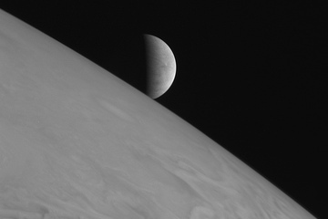 New Discoveries About Jupiter's Moon Europa to Be Announced Wednesday | Space matters | Scoop.it