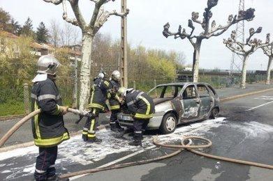 Saint-Jean-de-Luz : une voiture part en fumée | Saint-Jean-de-Luz | Scoop.it