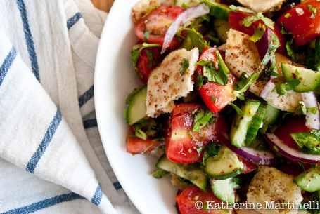 Fattoush Salad Recipe (Guest Post) | À Catanada na Cozinha Magazine | Scoop.it