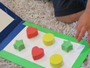 A round up of DIY toddler board books | Learn through Play - pre-K | Scoop.it