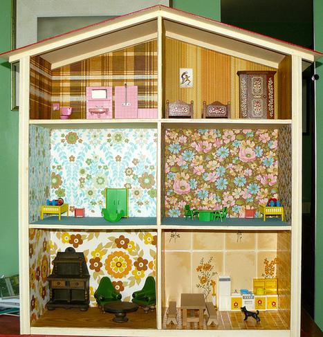 Maison de poupées fabriquée par mon père, avec l'aide de ma mère ... | Mobilier miniature | Scoop.it
