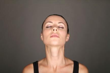 Tutoriel beauté : la tendance du yoga facial - News Beauté - Doctissimo | Mode et tendance | Scoop.it