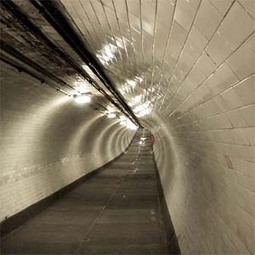 Greenwich Foot Tunnel « Sound Tourism | DESARTSONNANTS - CRÉATION SONORE ET ENVIRONNEMENT - ENVIRONMENTAL SOUND ART - PAYSAGES ET ECOLOGIE SONORE | Scoop.it
