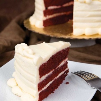 Valentine's day cake We Love Red Velvet Cake For Valentine's Day | By Styling Amsterdam Fashion Designers Models Trendsetters Daily Notes Agenda Guide Style Trends Magazine Calendar Planner News Fashion days and deals Celebrity styles | Scoop.it